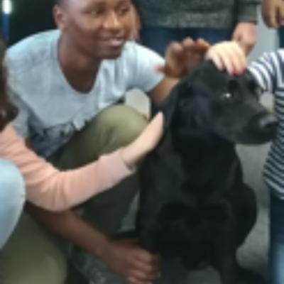 Jev ist unser Schulhund