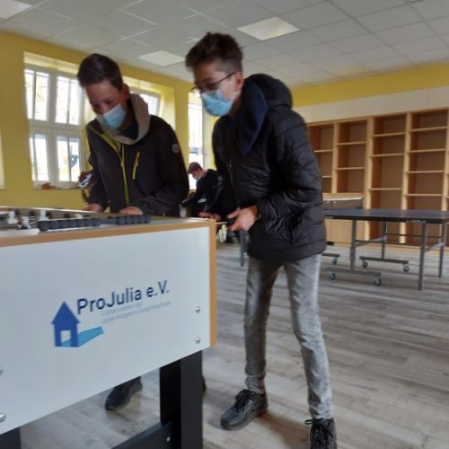 ProJulia e.V. sponsort zwei Profi-Kickertische